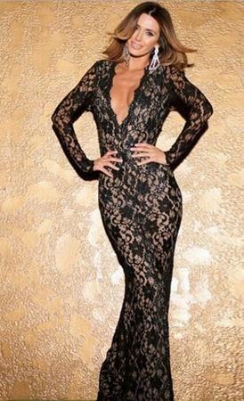 Rochie lunga de seara cu maneca lunga din dantela de culoarea neagra
