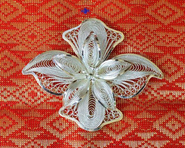 Ezüst brossok (virág forma) indonéz dizájnnal