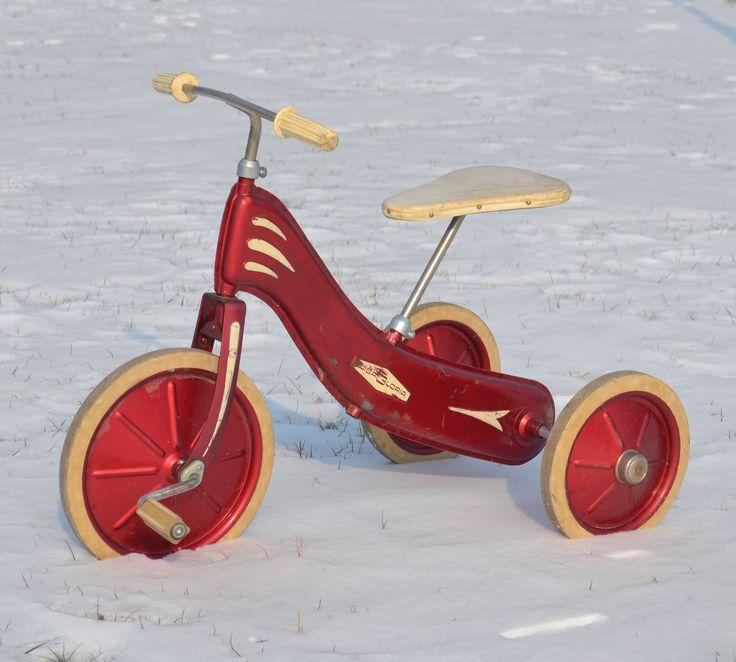 les 25 meilleures id es concernant tricycle rouge sur. Black Bedroom Furniture Sets. Home Design Ideas