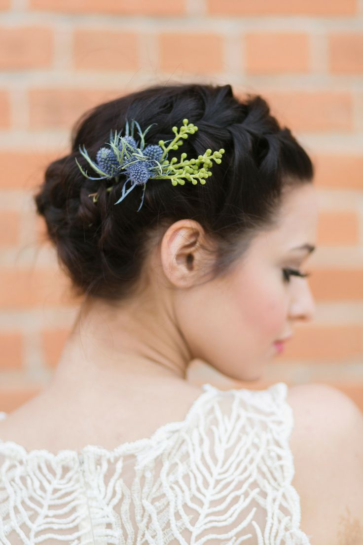 Spanish-Style Wedding Inspiration - 35 Best Flowers For Your Hair Images On Pinterest Hairstyles