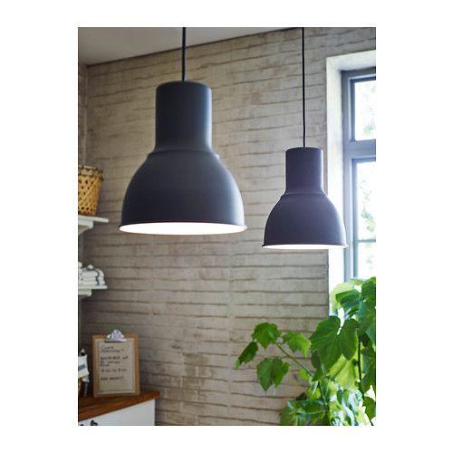 HEKTAR Taklampe IKEA Denne lampen gir et behagelig lys til måltider og sprer et godt oppgaverettet lys over hele spise- eller barbordet.