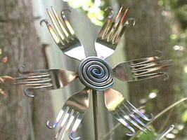 Welded Utensil Flower - wish I could weld - would love a bunch of these!