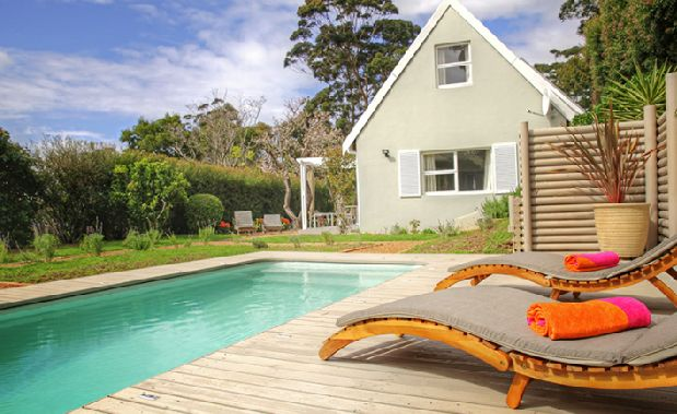 Cape Town Southern suburbs self catering cottage for rent. #selfcatering #CapeTownAccommodation
