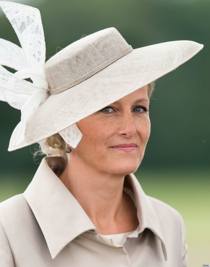 The Countess of Wessex, a lady in waiting of the Queen - MYROYALS  FASHİON