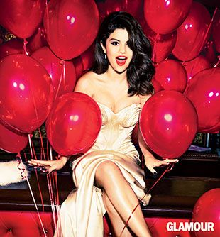 "Awesome idea for my 30th bday...a photo shoot all glammed up, but with hot pink balloons instead of red. Or would hot pink be too ""young"" for a 30th bday? You know it's my fave, but red IS next in line....more ""mature/sexy/sophisticated???"
