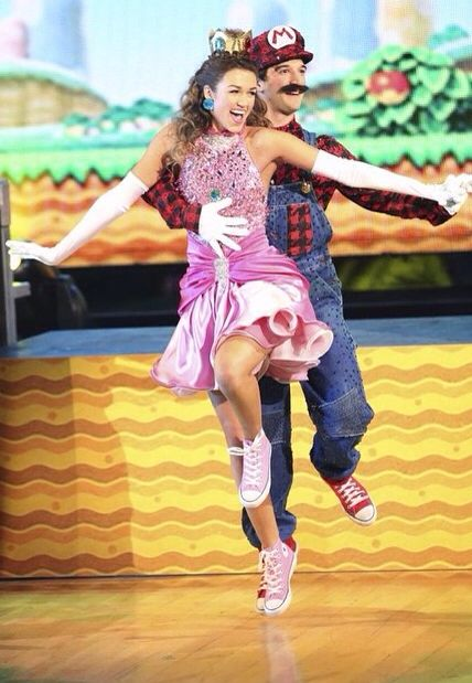 Sadie & Mark Freestyle finals I LOVED them during that season. Sadie was one of the best dancers I've ever seen!