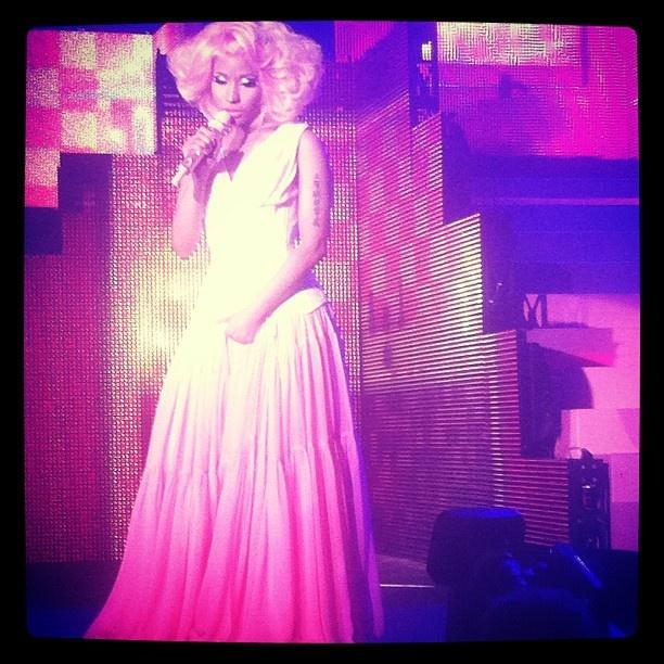 Best Hip Hop video nominee Nicki Minaj ( ('Beez In The Trap') in retro glam: http://www.mtv.com/ontv/vma/2012/best-hip-hop-video/
