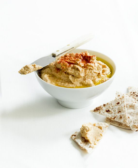 Hummus with smoked paprika. Vegan / vegetarian  http://vegoriket.se/?p=179