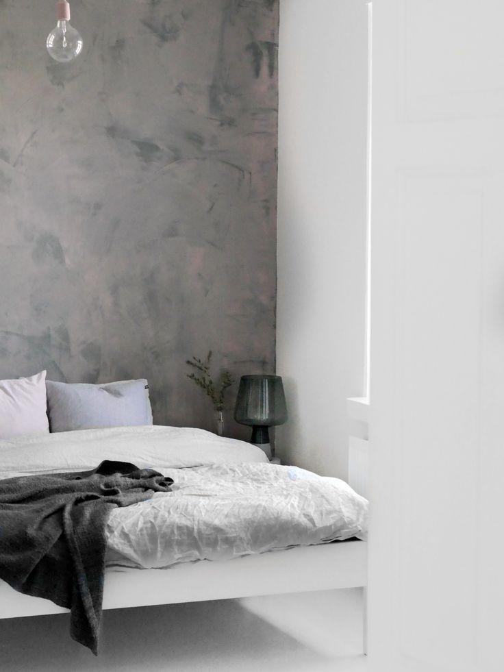 Tikkurila colornow MAMI GO GO 2: makuuhuoneen uusi betoniseinä Tunto Hienolla.