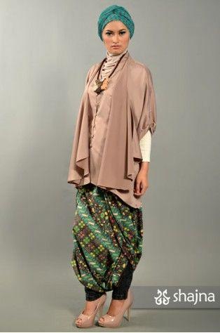 shajna | SK348B - BOXY SATIN TOP |  #hijab #hijabi #hijabstyle #modest #muslimah #turban