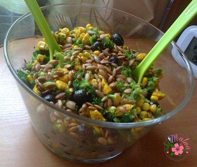 ekoMalwa - Poczuj jak smakuje zdrowie: Szybka Fit Sałatka brokułowa