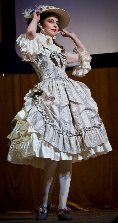 FASHIONISTA: lolita dress fashion country victorian pretty beautiful cute