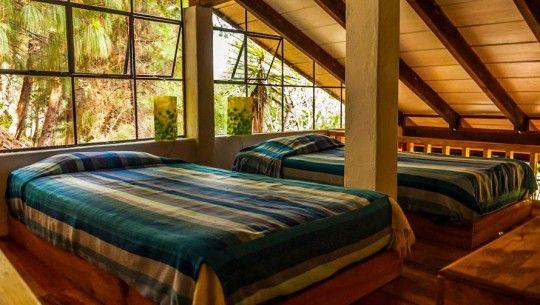 HOTEL ISLA VERDE  Isla verde es un hotel muy lindo que se encuentra en Santa Cruz, cuenta con pérgolas para realizar yoga al aire libre y también salas para masajes. Es un sitio ideal para relajarse y estar entre la naturaleza hermosa de este departamento.