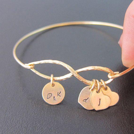 Hey, ho trovato questa fantastica inserzione di Etsy su https://www.etsy.com/it/listing/163978121/family-tree-bracelet-family-tree-jewelry