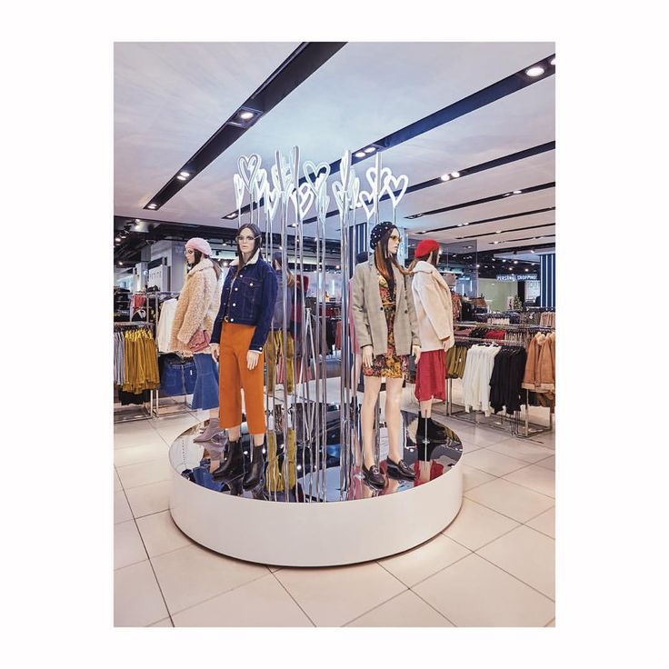 "TOPSHOP, Oxford Circus, London, UK, ""Rotating mannequins on turntable plinths adorned with Led hearts shapes"", creative by Blacks Visual London, pinned by Ton van der Veer"