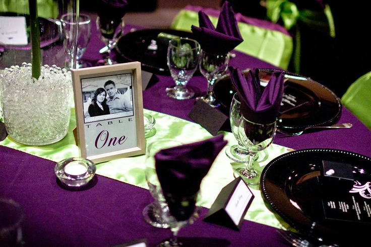 wedding table decor eggplant wedding book page runner instead of that greenish thing. Black Bedroom Furniture Sets. Home Design Ideas