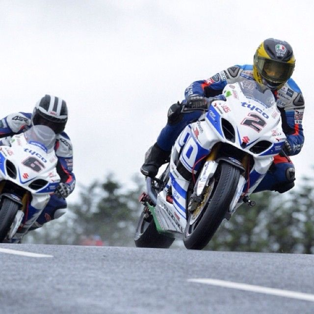 What an Armoy Road Races week end: 3 wins from 4 #races for #GuyMartin and @williamdunlop6 with our #tyres! #RoadToLegend