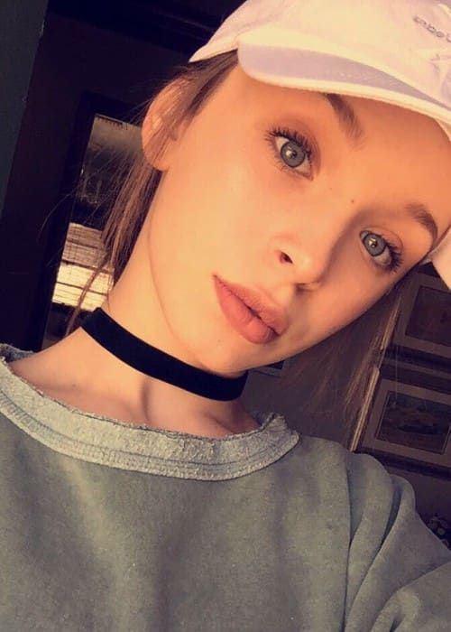Taylor Hatala Height, Weight, Age, Body Statistics