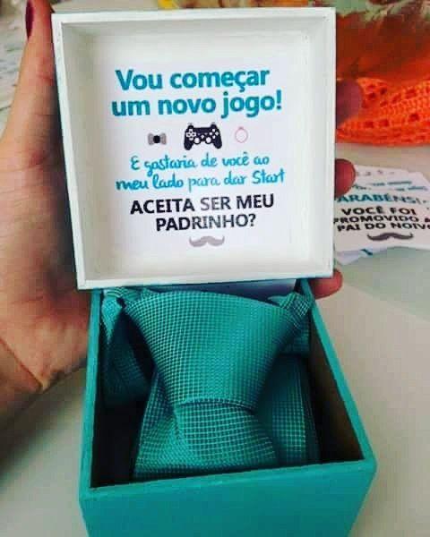 Criatividade para convidar os padrinhos ta tendo #EscolhemosCasar #ConvitePadrinhos #Casamento #PapelariaPersonalizada #Padrinhos #Convite