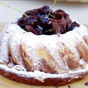 Vişneli ve çikolatalı Fransız keki