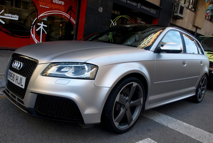 """En estas fotos tienes un claro ejemplo de cómo se hace (behind the scenes) en este espectacular Audi RS3 vinilado integramente en materiales especiales """"wrap"""" de la marca MacTac en alta duración.  + info en http://www.prontorotulo.com + info en https://www.facebook.com/prontorotulo + info en https://www.twitter.com/prontorotulo + info en https://www.youtube.com/prontorotulo"""