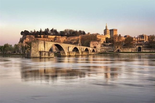 Avignon Shutterstock 100615729