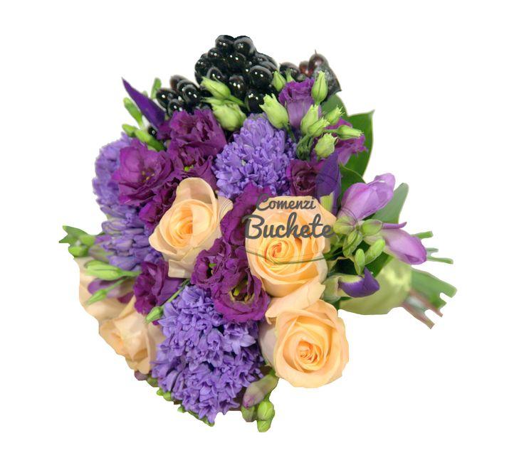 Buchet de mireasa cu trandafiri, frezii, irisi, lisianthus si zambile. Neconventional, parfumat, inedit.