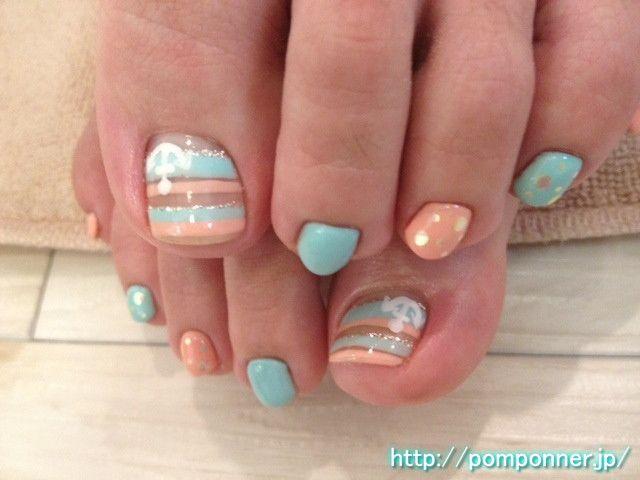 Foot nail art of light blue summery orange オレンジ・水色の夏らしいフットネイル 名古屋 ネイルサロン ポンポネ