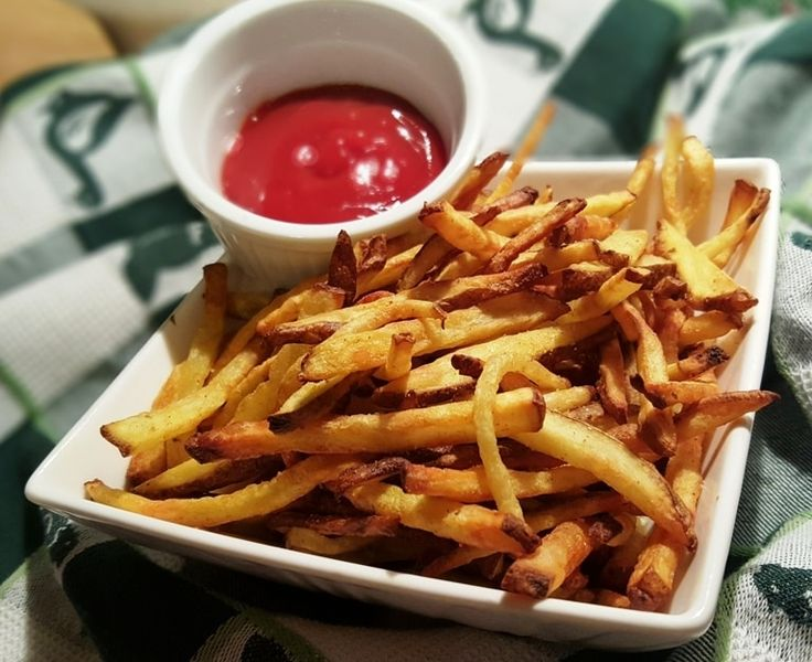 You will never use your deep fryer again, once you have tasted these simple Air Fryer French Fries, made with only a drop of oil.