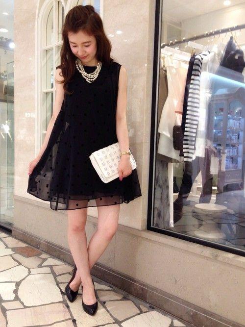 黒のシースルー水玉柄パーティードレス2:1の法則コーディネート参考画像9:結婚式 二次会 ドレス 黒