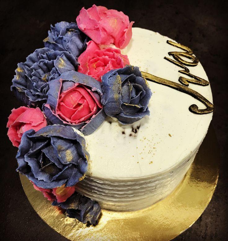 butter cream flower cake red velvet