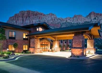Zion National Park Lodging - Hampton Inn Springdale - Zion National Park Hotel