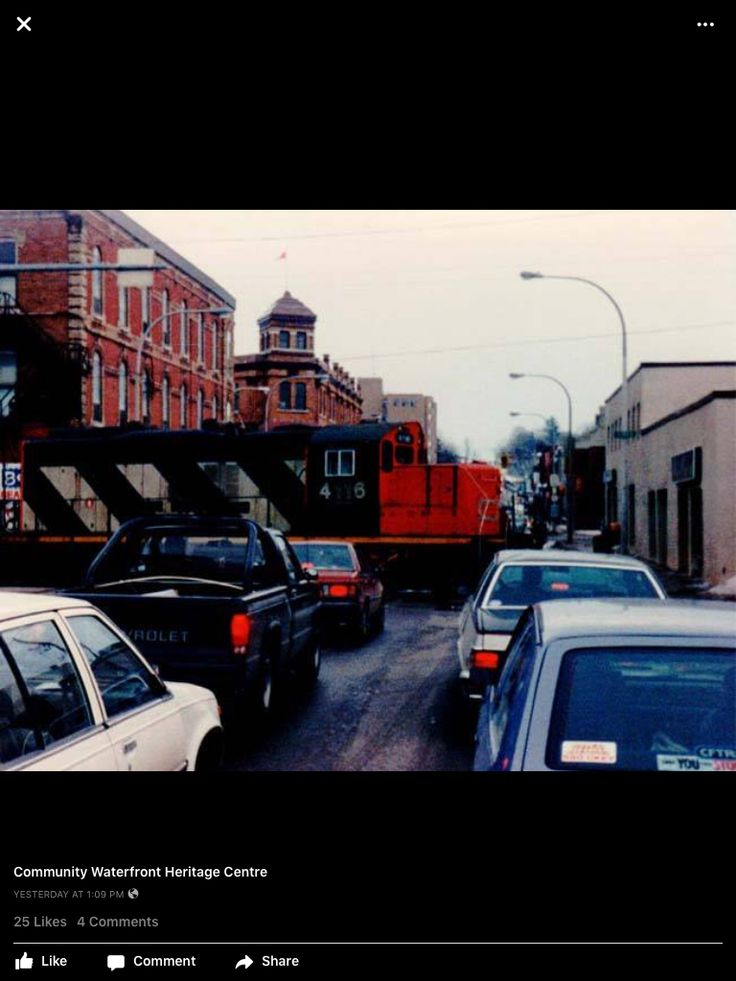10th Street, Owen Sound, 1980s....waiting on the train.