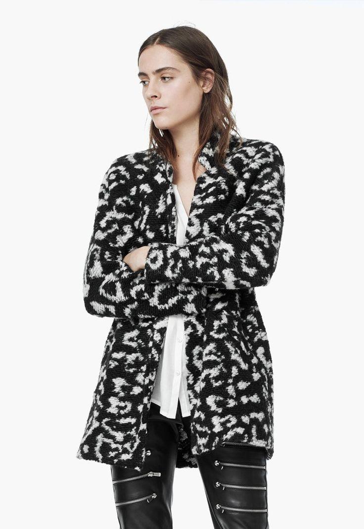 Fekete Moher Tartalmú Kabát a MANGO márkától és további hasonló termékek a Fashion Days oldalán