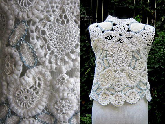 Wit gehaakte trui, bruiloft Gehaakt topje, Boho Chic Blouse, Ierse haak, vrije haak  Ik ontwierp en deze witte haak trui gebouwd. Ik gebruikte technieken als Ierse gehaakte kant gehaakt en vrije haak. Deze OOAK FREEFORM gehaakte TOP kunnen weared op speciale gelegenheden, bruiloft, prom of wanneer je wilt voelen goed en een van een soort.  De blouse past maten S/M/lengte - 54 cm/21 inch Buste - max 93 cm/36 inch   Ik gebruikte zeer zachte witte haak garens, witte angora ga...