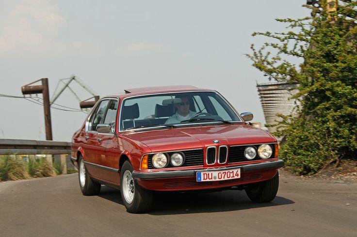 BMW 730 (E23).