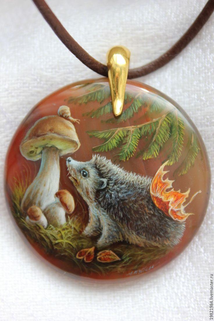 Купить Любопытный Ежик!!!! - коричневый, ежик, грибы, елка, лес, кленовый лист, лаковая миниатюра