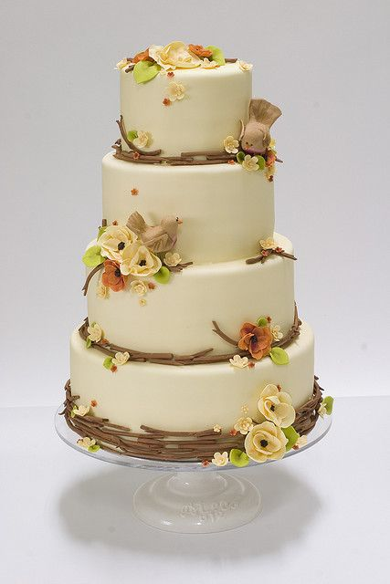 Autumn Nature Wedding Cake. Tony and I are getting married in Gatlinburg so I absolutely love love love this cake design.  Our decor for the reception will probably be more of a country / rustic type so this looks great!  :)