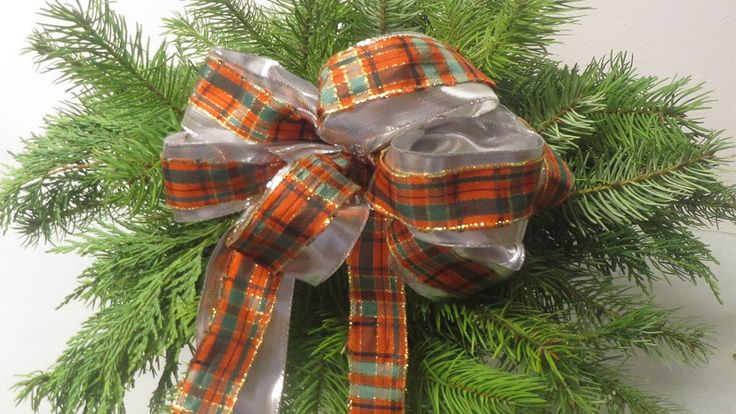 schleife f r tannenbaum geschenke raumdekoration weihnachten christmas pinterest uhren. Black Bedroom Furniture Sets. Home Design Ideas