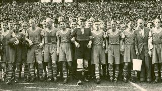 Schalke 04 2 F. Düsseldorf 1 in Jan 1938 Cologne. Schalke complete the League & Cup double after this Tschammerpokal German Cup Final victory.
