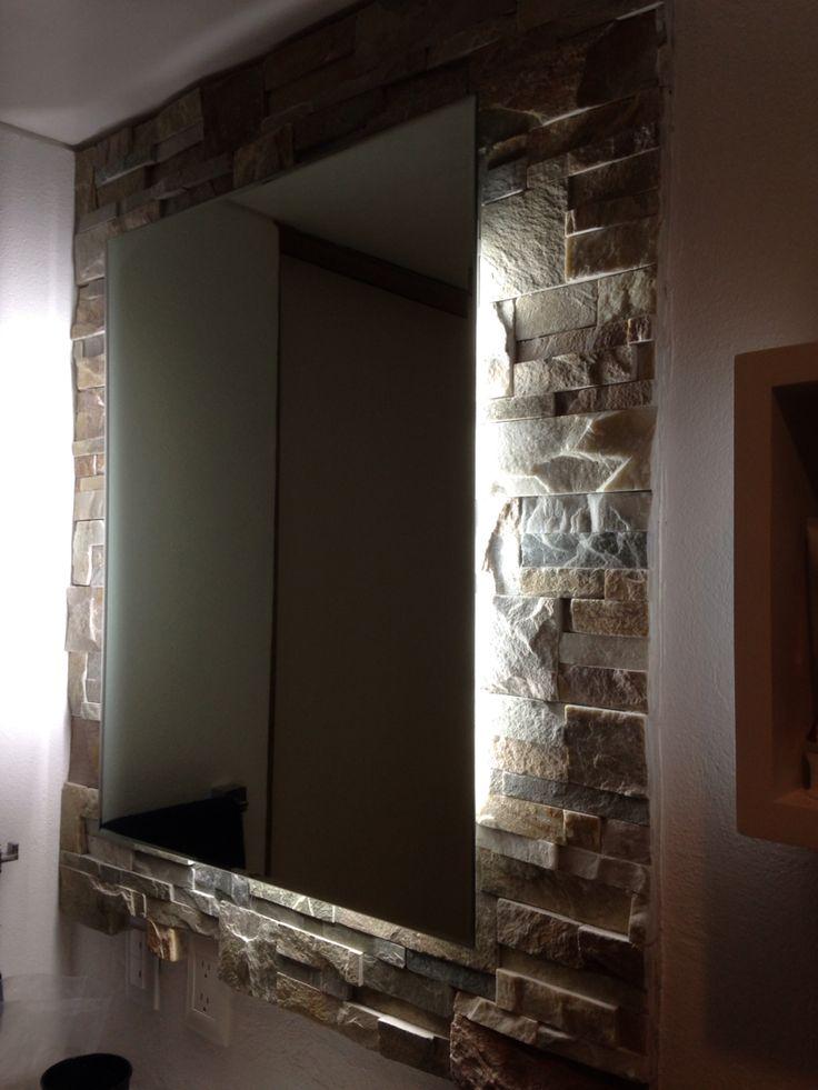 Iluminaci n para ba o piedra natural de fondo 4 l mparas for Iluminacion para espejos