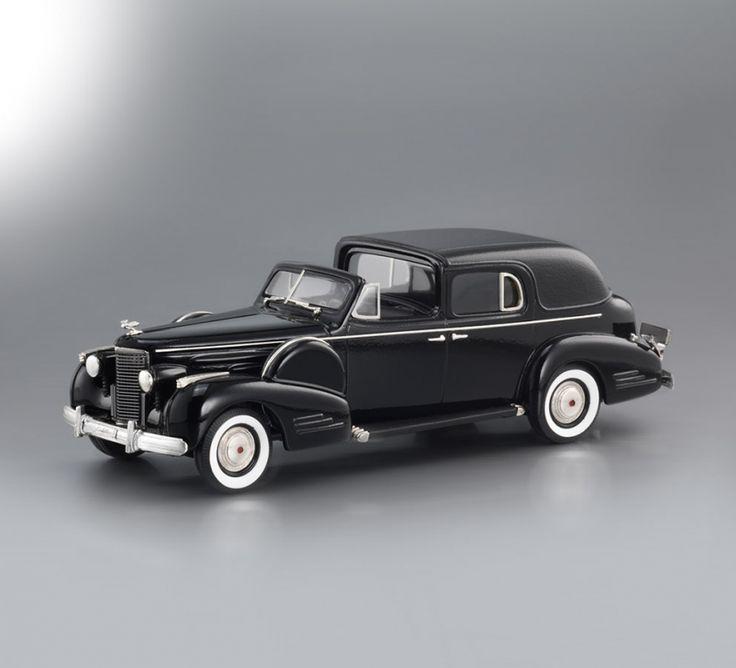 1938 Cadillac V-16 Series 90 Fleetwood Town