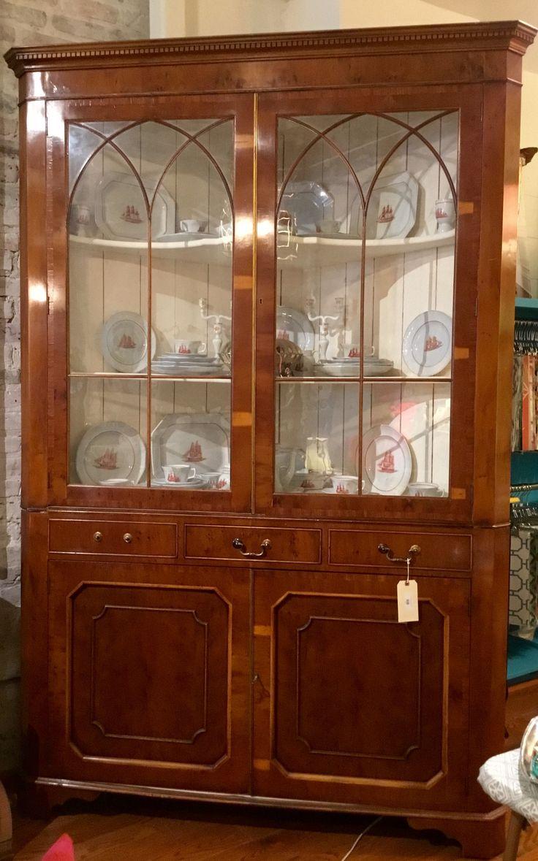 Best 25+ Corner china cabinets ideas on Pinterest | Antique corner ...