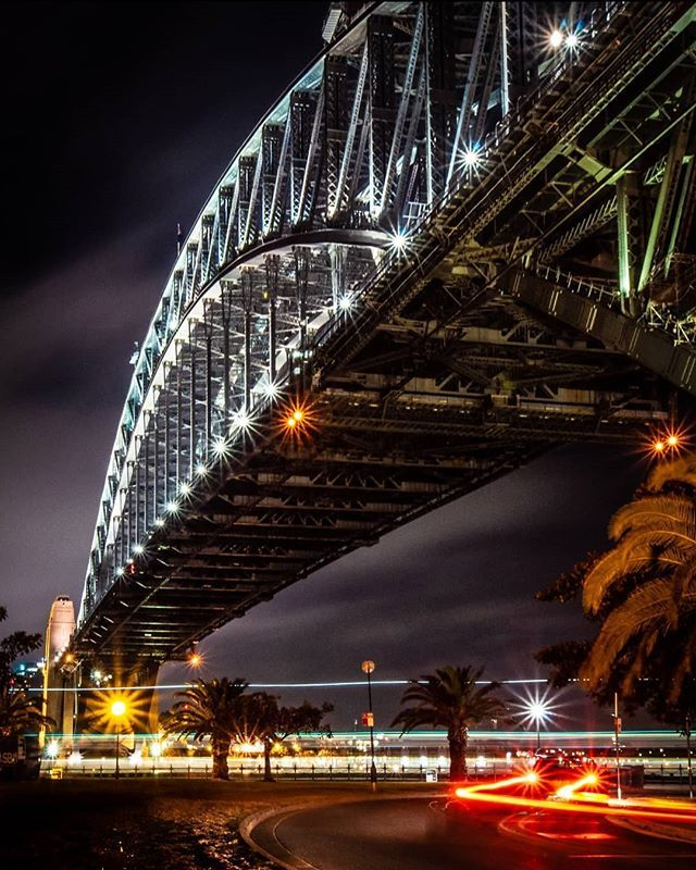 """""""A city is not gauged by its length and width but by the broadness of its vision and the height of its dreams"""" Herb Caen  #sydneynightsquad5  @sonyaustralia  @globalnightsquad"""