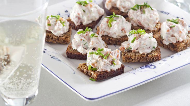 Wasabi-lohitahna maistuu leivän kanssa alkupalana. Kokeile myös uuniperunan täytteenä. N. 0,75€/annos*.