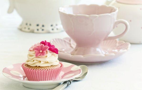 Обои пирожное, кекс, крем, белый, цветы картинки на рабочий стол, раздел еда - скачать