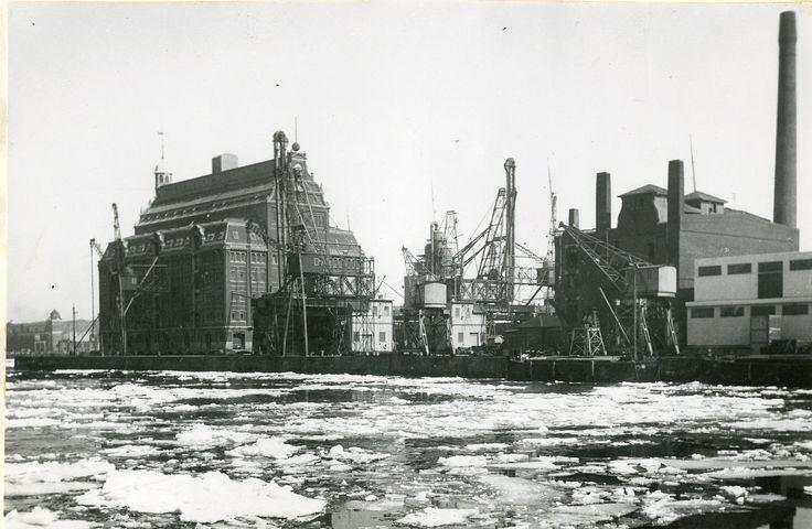 Is i havnen under krigen, årstal ukendt.