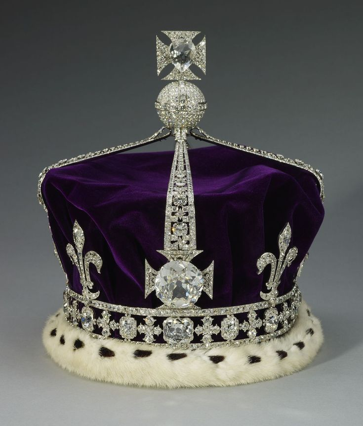 In 2002 when Queen Elizabeth, the Queen Mother died at the age of 101 the crown was set on her coffin during her state funeral. Description from theenchantedmanor.com. I searched for this on bing.com/images