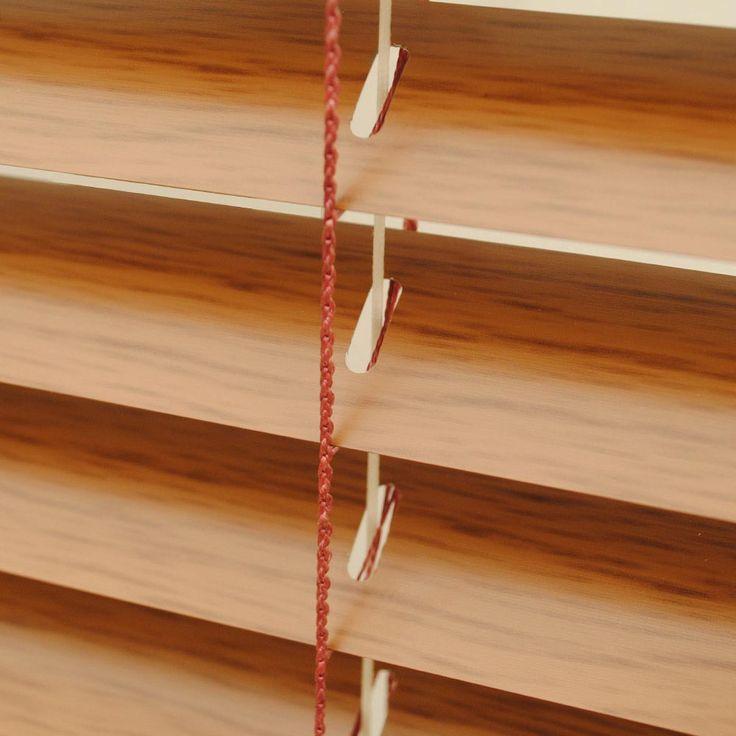 βενέτικα στόρια σε απομίμηση ξύλου/venetian blinds- wood imitation