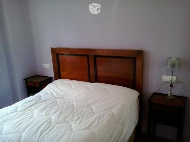 Foto de Cabecera cama y dos mesillas nuevas madera,  por 100 € en Gijón. Raquel, teléfono de casa: 985 372 211 c/Sagrado Corazón nº3 entresuelo 16hrs